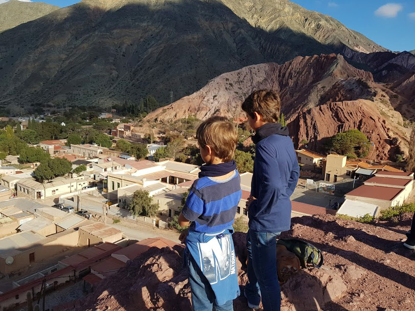 pueblos norte argentino con niños